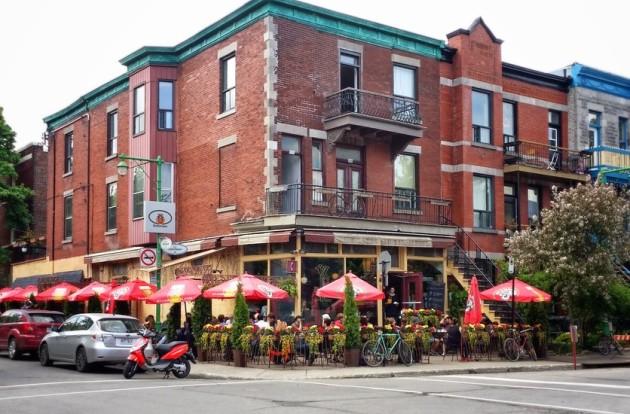 restaurant-street-bricks-house-large